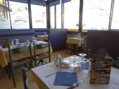 Palazzo pizza tables