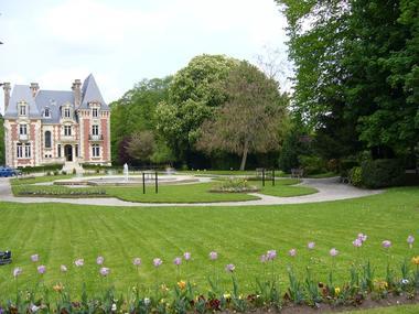 Parc du Manoir de l'Ile à Livarot pres de Lisieux Jardins