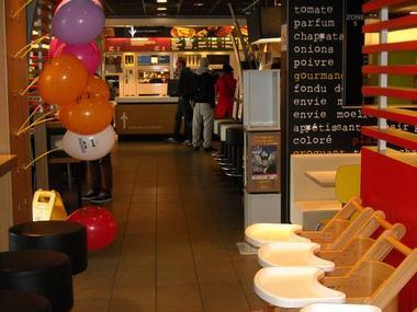 Restaurant-McDonalds-Lisieux (salle)