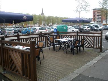 Restaurant Le Lexovien Lisieux (vue terrasse)