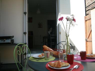 Un-p-tt-dej-sur-la-terrasse