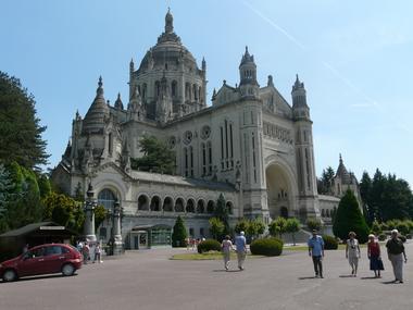 Visite du dome de la Basilique Sainte-Thérèse de Lisieux Basilique