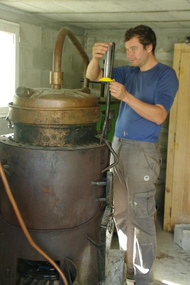 Distillerie-Mobydick-au-travail