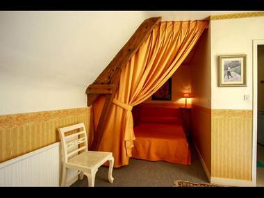 Gîte du Clyo, couchage dans son nid orange - Caro - Morbihan - Bretagne
