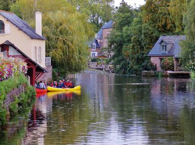Visiter Montfort-sur-Meu canoe ©office de tourisme lac de Trémelin (1)