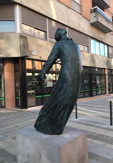 La vague de Patrick Berthaud sculptures centre-ville Montauban
