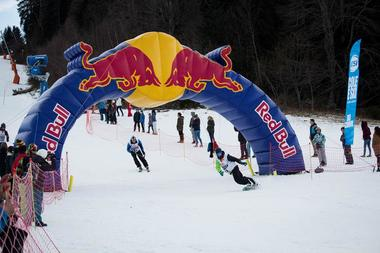 arrivée ski et snowboard red bull tout schuss ax 3 domaines