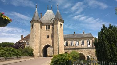 Porte de Joigny à Villeneuve-sur-Yonne