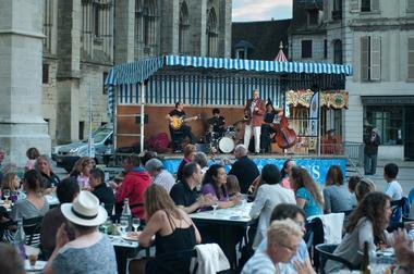 Garçon la Note à Sens en 2014 - Pascal Gaubert & Friends au restaurant de la Cathédrale © Pierre Pichon