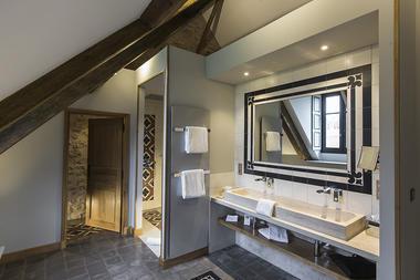 HLOBOU071V505RML_2domaine-de-rymska-saone-et-loire-tourisme-2