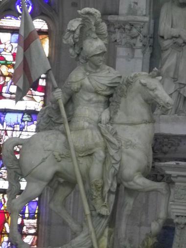 Statue-Saint-Florentin-2