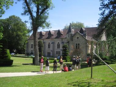 abbaye-la-bussiere-france-a-velo