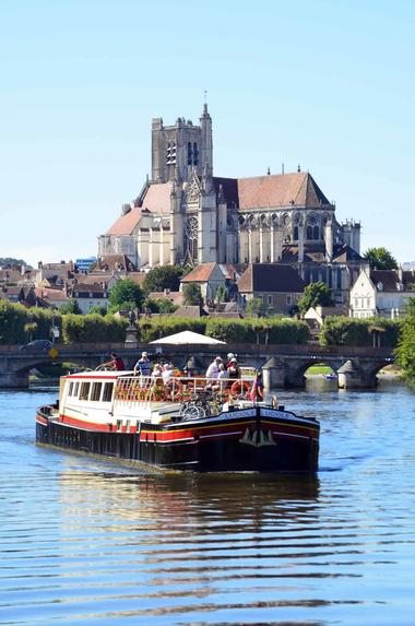 auxerre-city-river-cruise-2