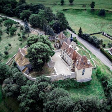 Vue aérienne du château de JOURS-EN-VAUX