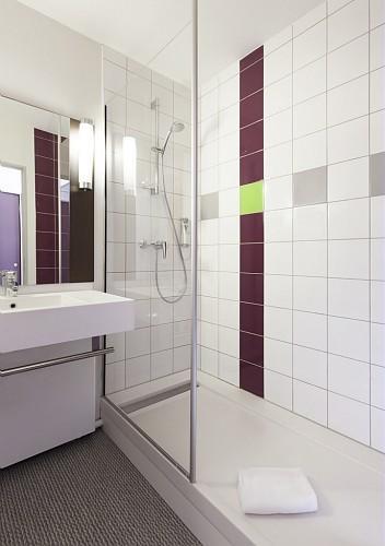 Salle de bain chambre standard