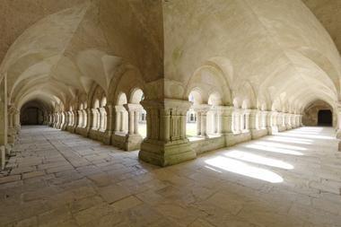 Cloître Abbaye de Fontenay