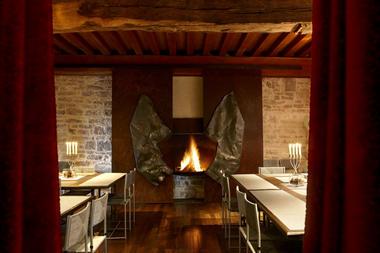Repas dans la salle à manger du Pavillon d''hôtes