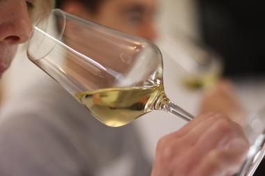 Sentir les arômes du vin