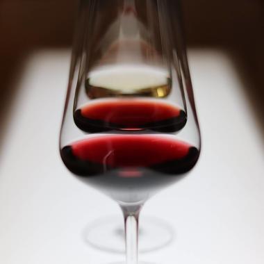 Regarder la couleur des vins
