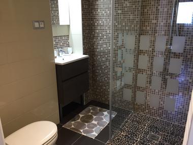 Salle d''eau avec WC