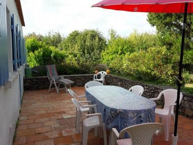 terrasse-arriere-vue-jardin-nv-formatjpg-129326