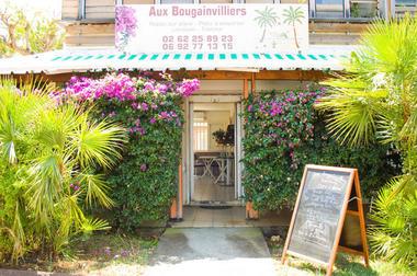 Aux Bougainvilliers