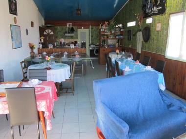 Chez Dan's