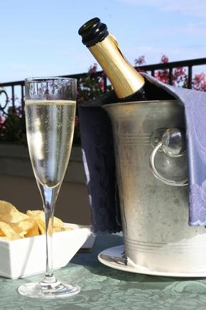 champagne-2431709_1920.jpg