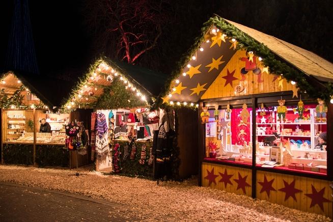 christmas-market-1907032_1920.jpg
