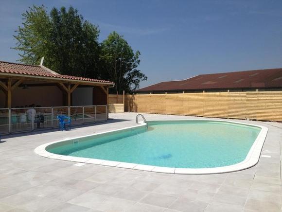 piscine croixbadeau.jpg