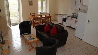 Moncoutant-La Bodinière2-salon-cuisine-sit.jpg