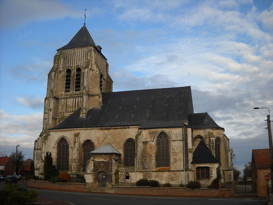 1200px-Isbergues_-_Church_-_1.JPG