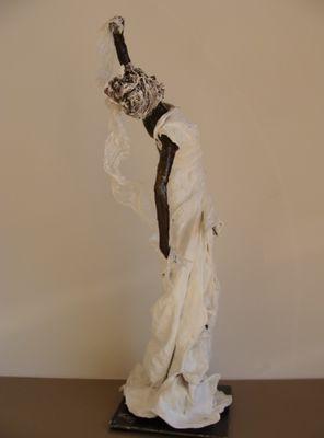Exposition_Vivette_Cupertino_sculptures_mosaiques_bijoux_Donjon_La_Roche_Posay.jpg