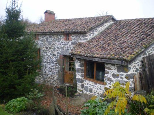 La Foret-sur-sevre-gite-de-PeachCottage-facade-sit.jpg