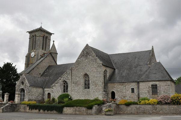 Eglise - Priziac - Pays roi Morvan - Morbihan Bretagne sud - CP OTPRM (5).JPG