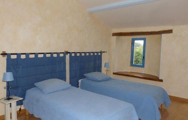 saint-amand-sur-sevre-gite-les-ecorcins-chambre1.jpg