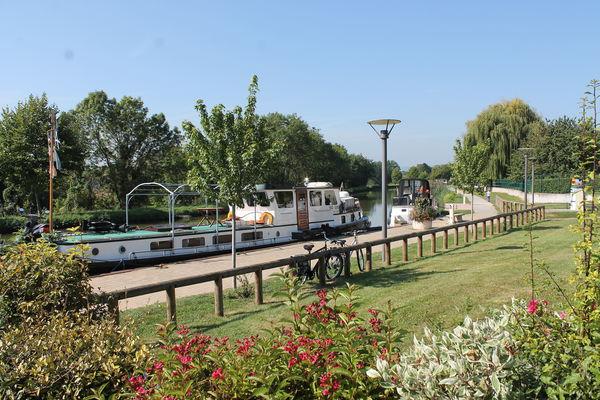 Fragnes-Porte-Verte-halte-nautique-canal-voie-verte- OT (5).JPG