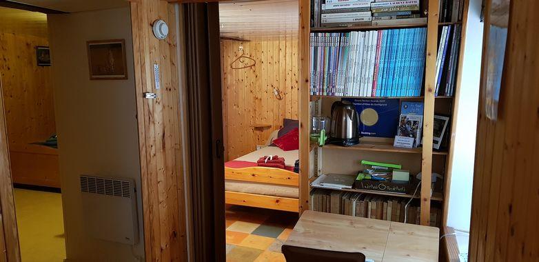 courlay-chambres-dhotes-le-gachignard-bibliotheque.jpg