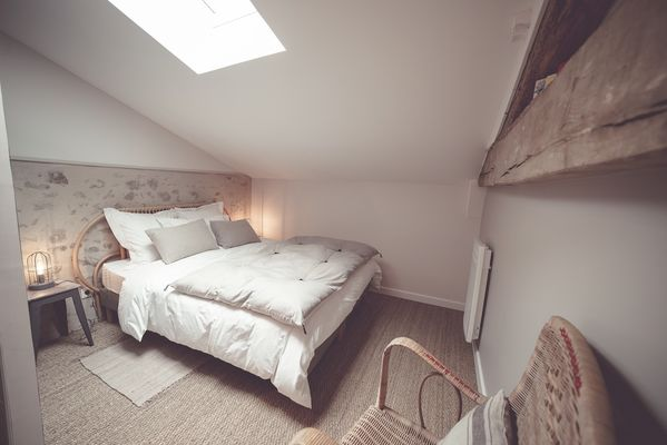 chambroutet-chambres-dhotes-la-belle-lurette-chambre-rouge-encre2.jpg