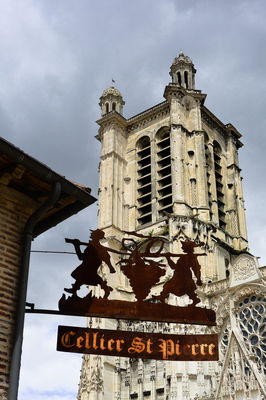 cellier et cathédrale.jpg