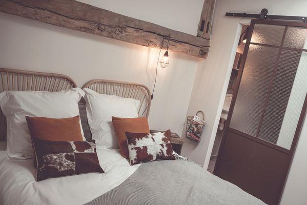 chambroutet-chambres-dhotes-la-belle-lurette-chambre-oxyde1.jpg
