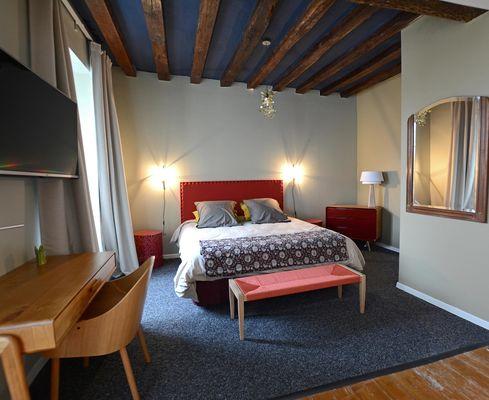 chambre_1_le_lit-allégé.jpg