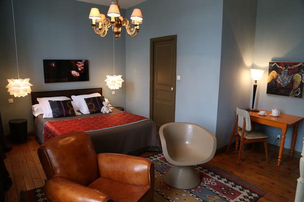 Valenciennes - Le Grand Duc - Chambre d'Hôtes - Chambre 1 (4) - 2015.JPG