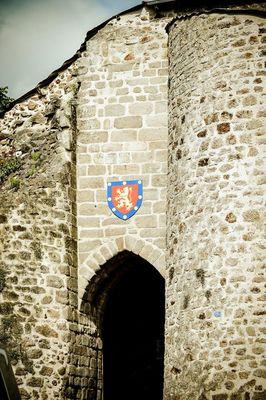 entrée du château de Mauléon.jpg