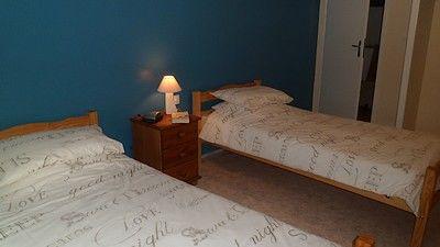 Moncoutant-La Bodinière2-chambre1-sit.jpg