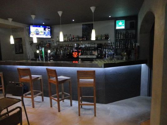 bar-restaurant-laval-castel-9-6022-4.jpg