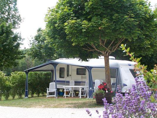 Camping_les_rioms_barrou_la_roche_posay_2_étoiles (3).jpg