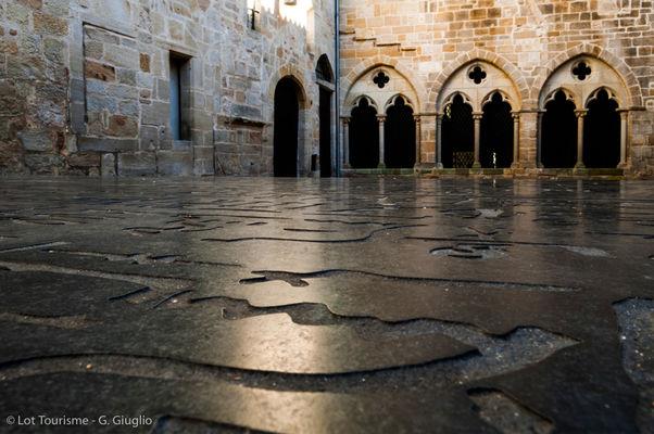 Place des Ecritures - pierre de Rosette--© Lot Tourisme - G. Giuglio.jpg