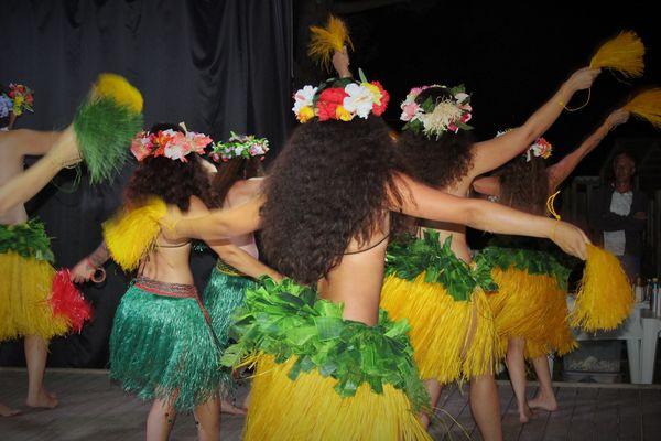 1 tahitiennes .JPG