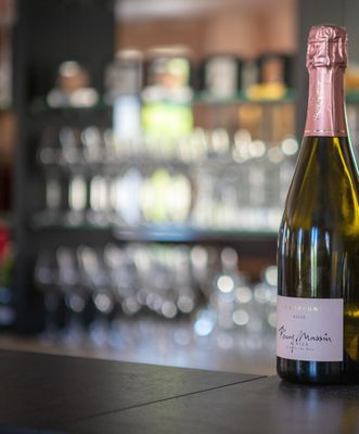 Champagne rosé (002).jpg